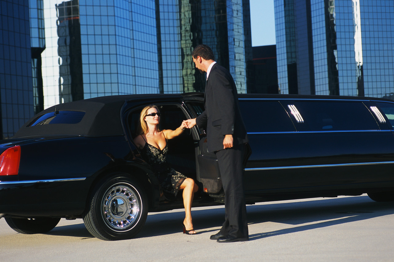 Airport Limo Service In Long Island